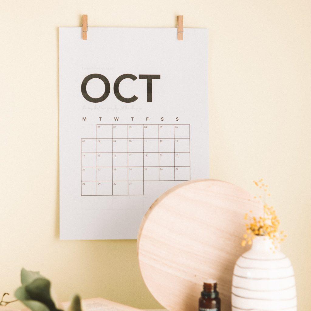 Zur Aroma - Beratung. Kalenderblatt Oktober für einen Termin.