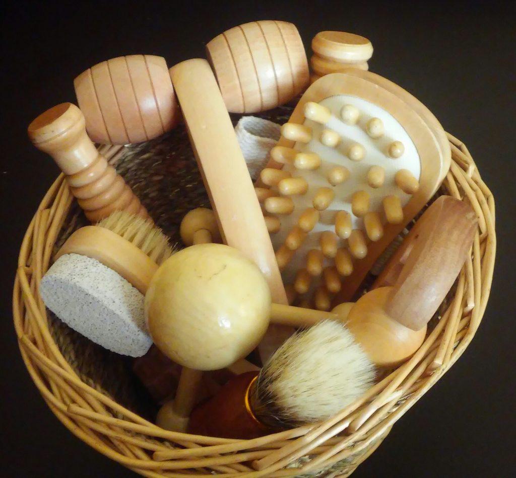 Für Reflexzonen: Verschiedenes Massagezubehör aus Holz